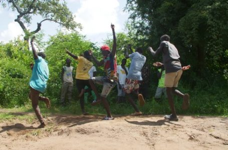 The South Sudanese Refugee Dance Group with a Mission